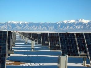 solar-panel-array-colorado-1591359_640-pixabay